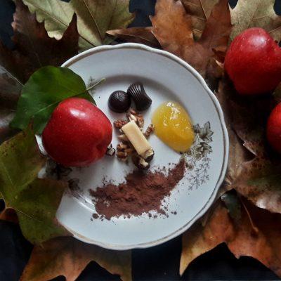 """Фото рецепта - Печеные яблоки """"паучок"""" - шаг 1"""
