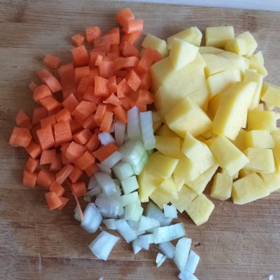 Фото рецепта - Чечевичный суп-пюре с курицей - шаг 2