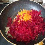 Фото рецепта - Борщ со свининой на косточке - шаг 4