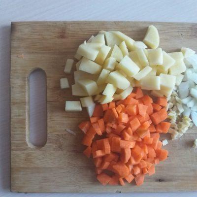 Фото рецепта - Овощное рагу с баклажанами и свиным фаршем - шаг 2