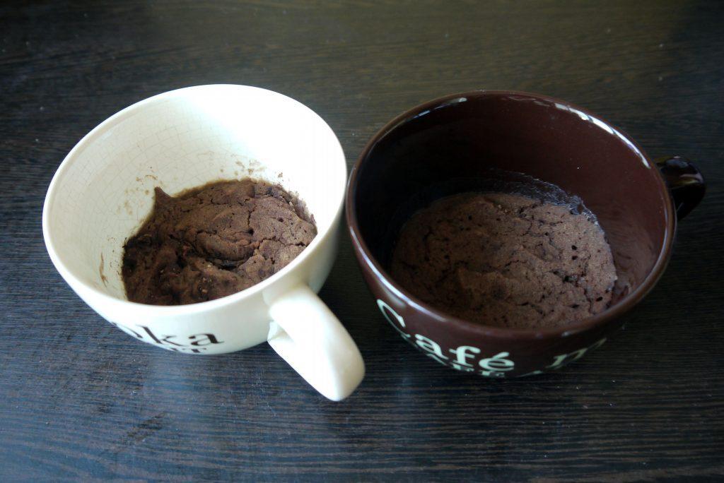Фото рецепта - ПП-фруктовый Брауни в микроволновке - шаг 3
