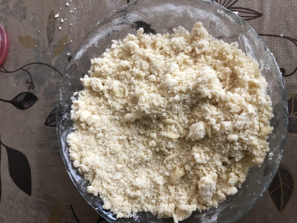 Фото рецепта - Открытый пирог с творогом - шаг 2