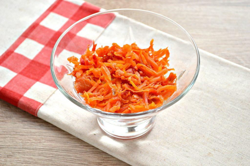 Фото рецепта - Слоеный салат с семгой - шаг 4