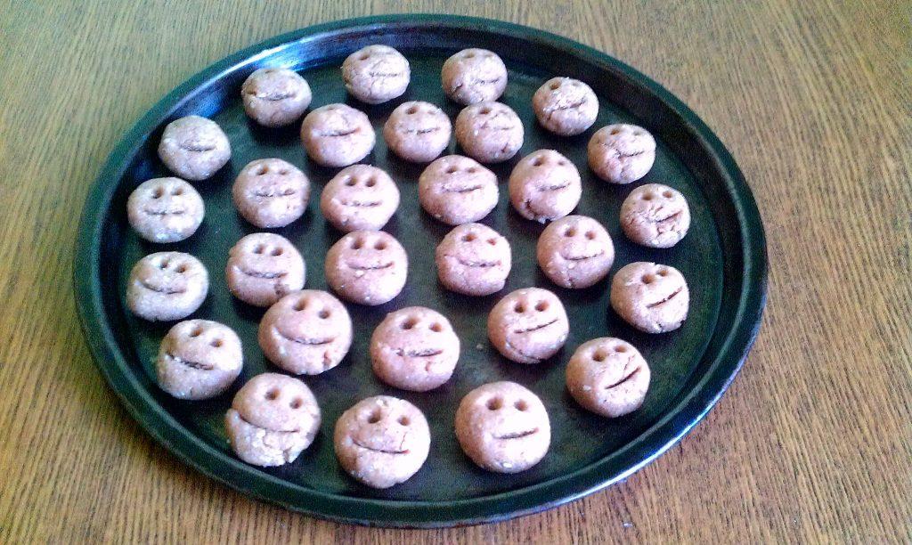 Фото рецепта - Домашнее печенье из цельнозерновой муки - шаг 5