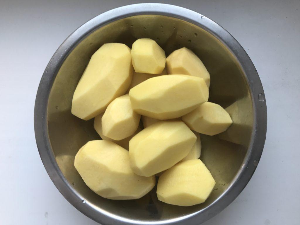 Фото рецепта - Свиные рёбра в медово-соевом соусе с картошкой - шаг 2