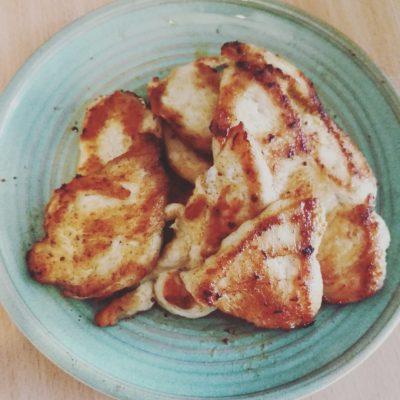 Куриная грудка в паприке, приготовленная в мультиварке - рецепт с фото