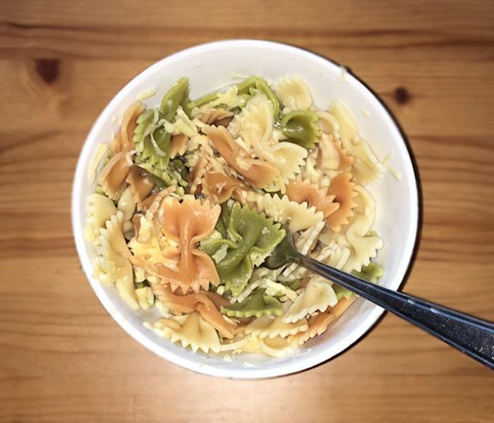 Макароны с сыром и чесноком