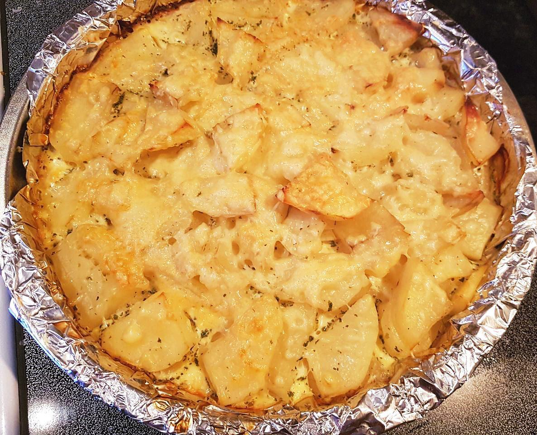 Картофель, запечённый в сливочном соусе