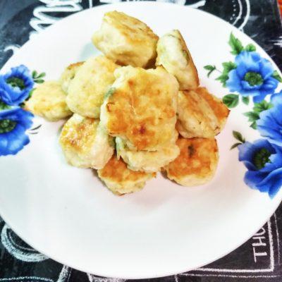 Легкие котлетки из куриного филе с рисом - рецепт с фото