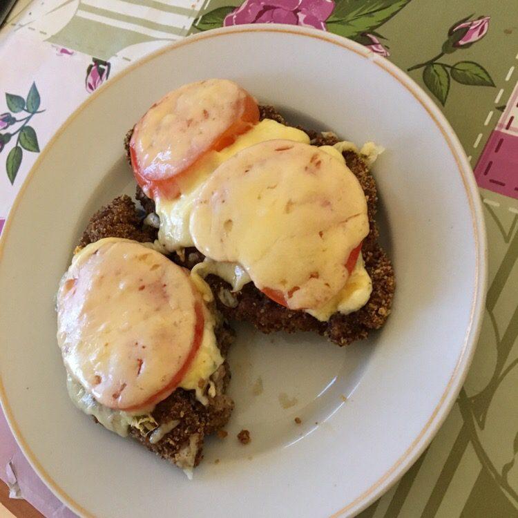 Фото рецепта - Запечённая индейка с сыром и помидорами в духовке - шаг 7