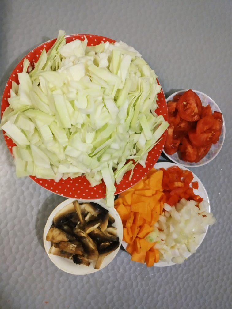 Фото рецепта - Суп для похудения с сельдереем - шаг 2
