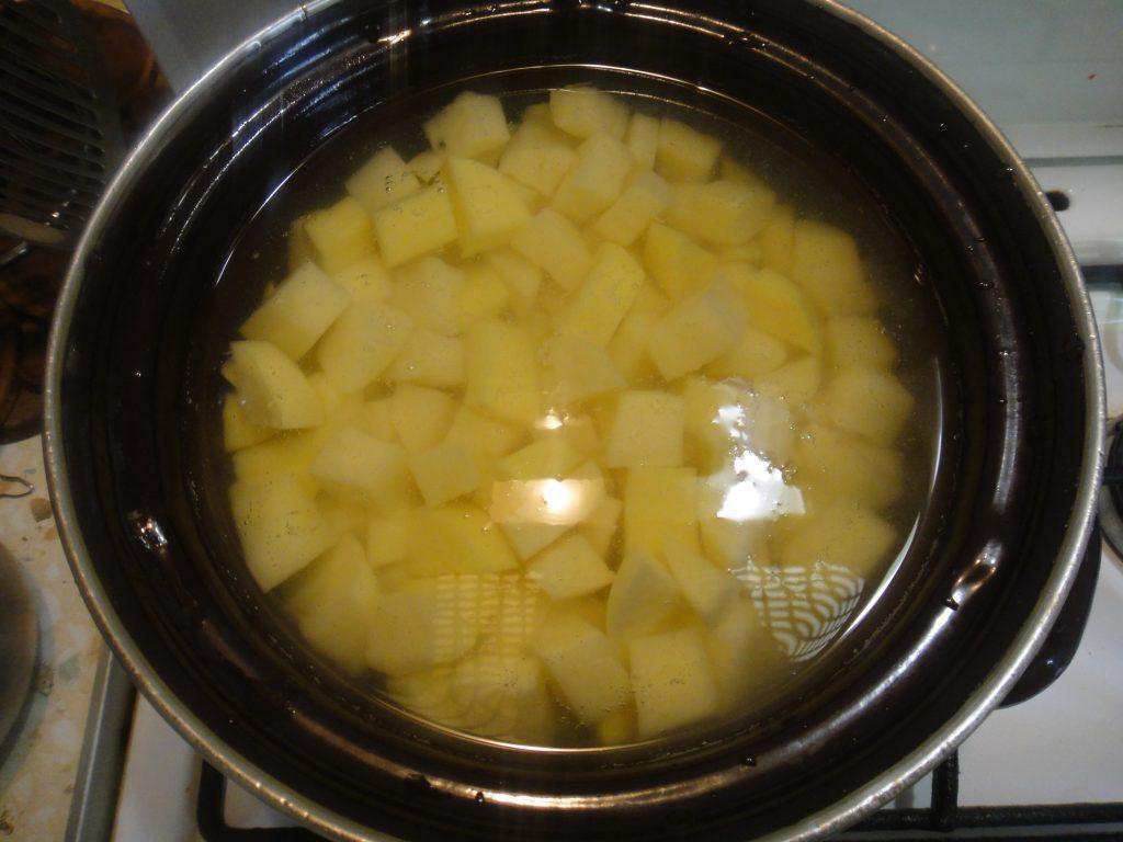 Фото рецепта - Вареники с картофелем - шаг 1