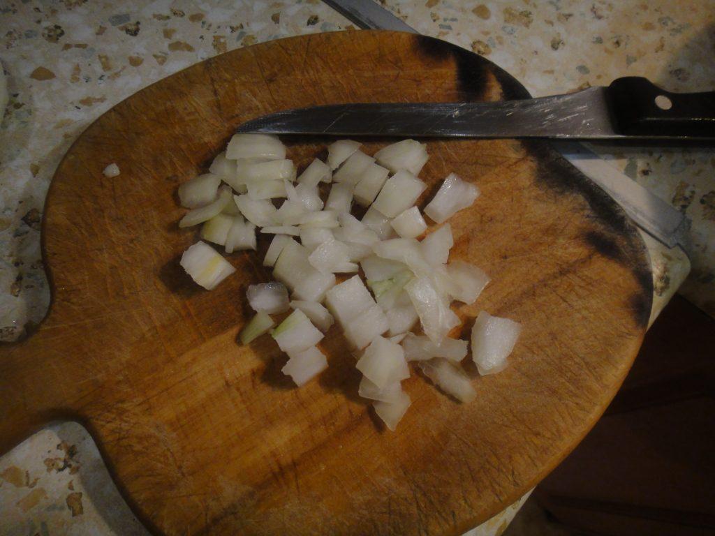 Фото рецепта - Картофельная запеканка с тушенкой - шаг 3