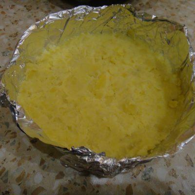 Фото рецепта - Картофельная запеканка с тушенкой - шаг 6