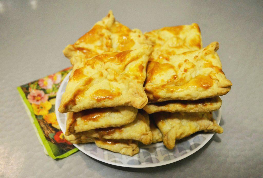 Фото рецепта - Хачапури с сыром - шаг 6