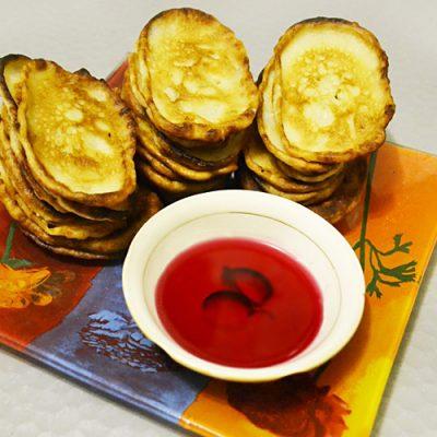 Вкусные оладьи на кефире - рецепт с фото