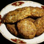 Фото рецепта - Рыбные котлеты из филе сельди - шаг 10