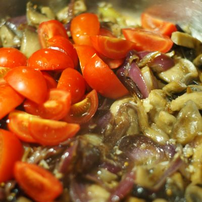Фото рецепта - Куриное филе с грибами - шаг 10