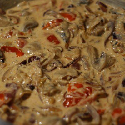 Фото рецепта - Куриное филе с грибами - шаг 12