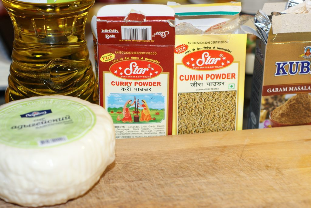 Фото рецепта - Жаренный сыр панир - шаг 1