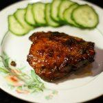 Фото рецепта - Куриные бедра жаренные в соево-медовом соусе - шаг 8