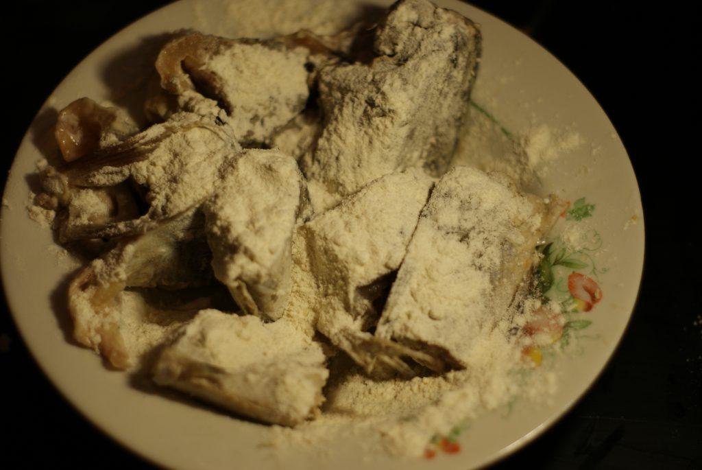 Фото рецепта - Минтай, тушеный с морковью в сметане - шаг 9