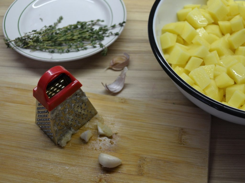 Фото рецепта - Печёная картошка - шаг 3