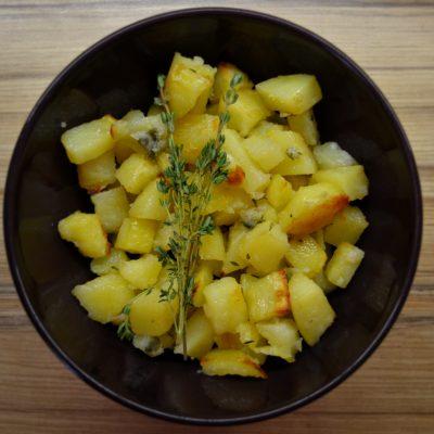 Печёная картошка - рецепт с фото