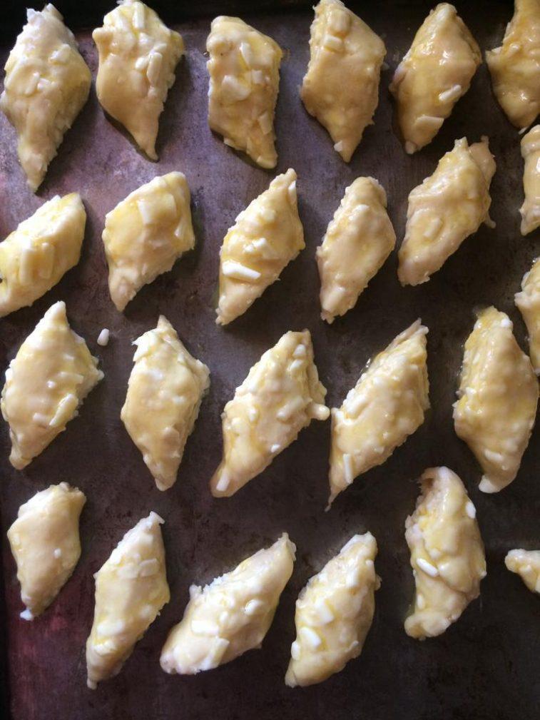 Фото рецепта - Бюджетное сырное печенье - шаг 5