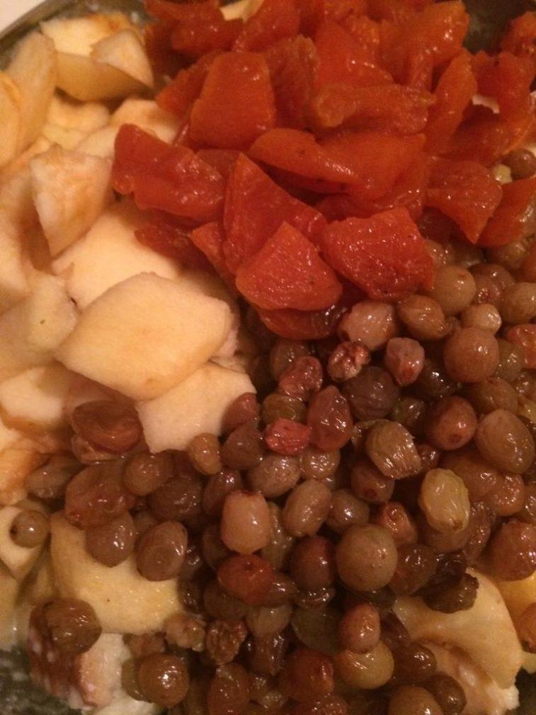 Фото рецепта - Крестьянский хлебный пирог с фруктами - шаг 3