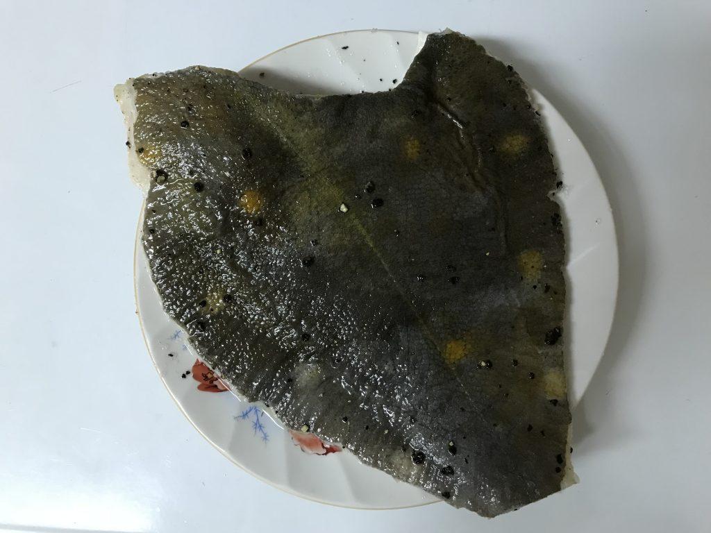 Фото рецепта - Камбала запеченная с картофелем и лимоном - шаг 1