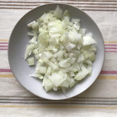 Фото рецепта - Домашняя солянка без оливок - шаг 4