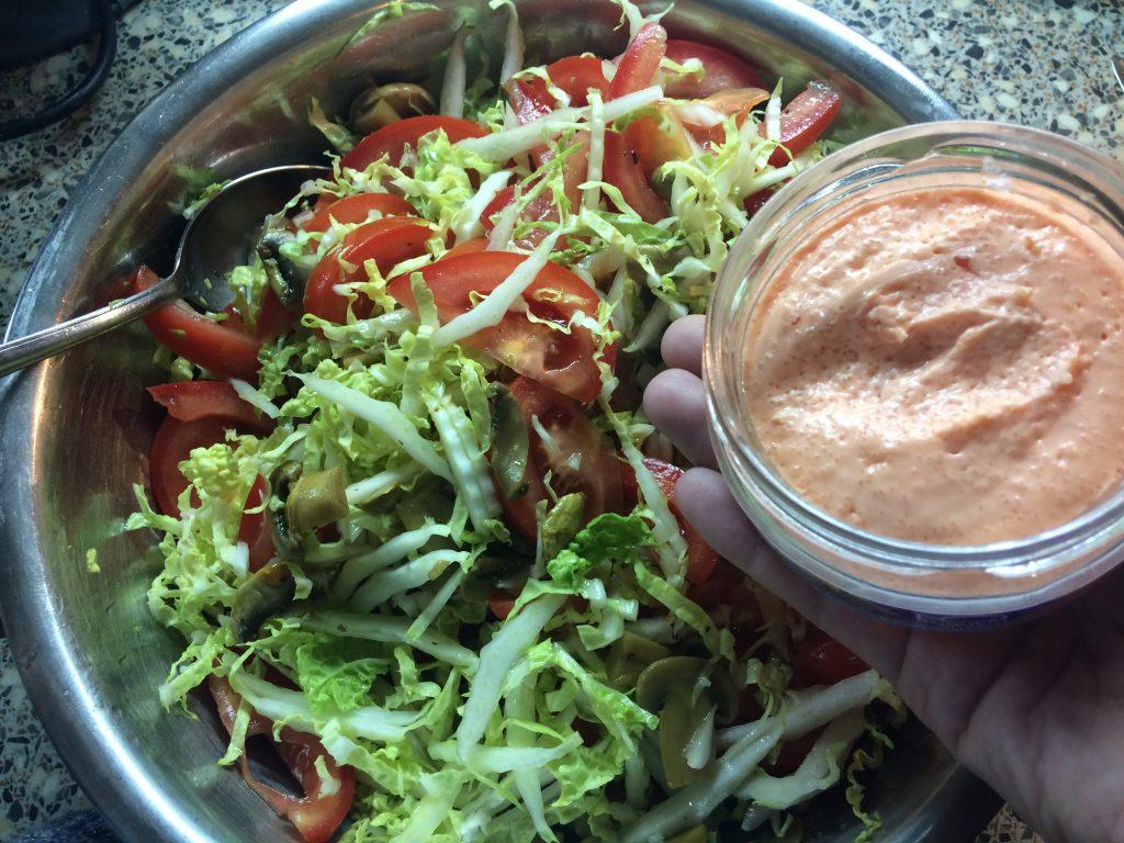 Фото рецепта - Салат с икрой из лосося - шаг 7