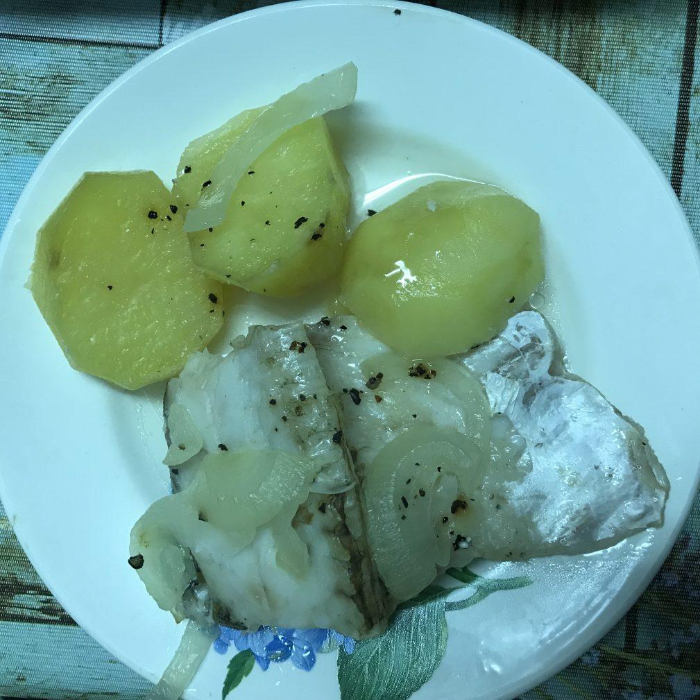 Фото рецепта - Судак запеченный с картофелем - шаг 5