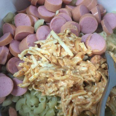 Фото рецепта - Макароны, запеченные под сырной корочкой - шаг 3