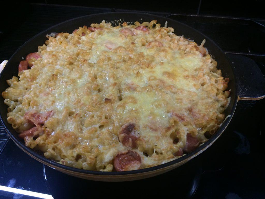Фото рецепта - Макароны, запеченные под сырной корочкой - шаг 5