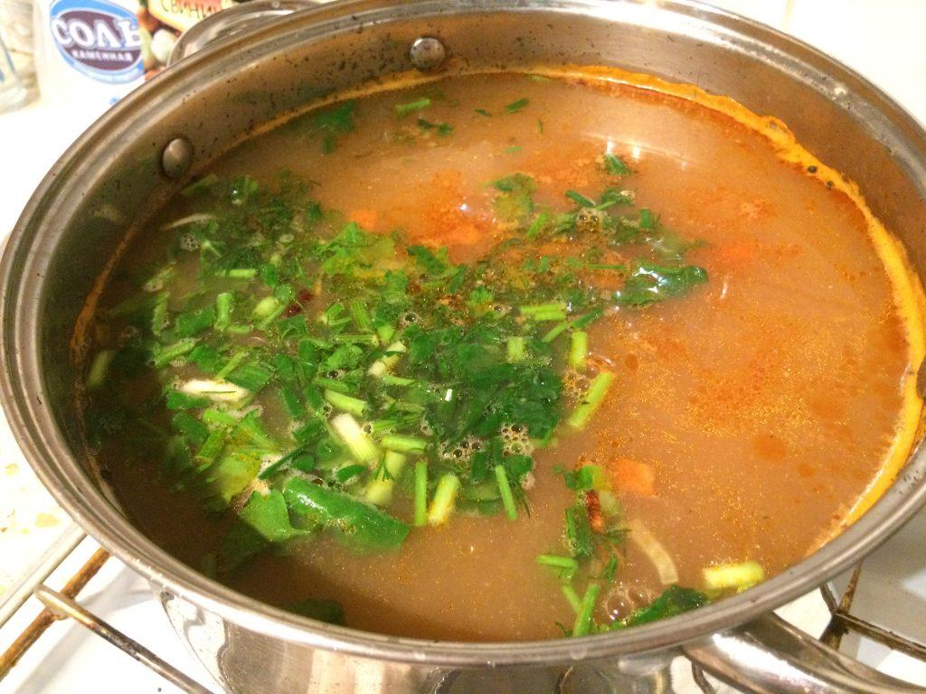 Фото рецепта - Овощной рисовый суп с рыбными консервами - шаг 6