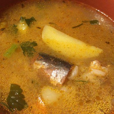 Овощной рисовый суп с рыбными консервами - рецепт с фото