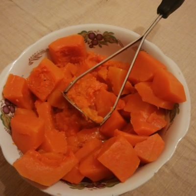 Фото рецепта - Пудинг из тыквы с творогом - шаг 4