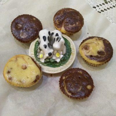 Фото рецепта - Кексы за 40 минут на кефире - шаг 4