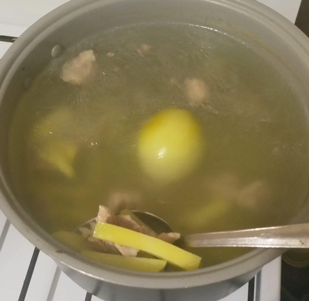 Фото рецепта - Суп на свинине с макаронами - шаг 3