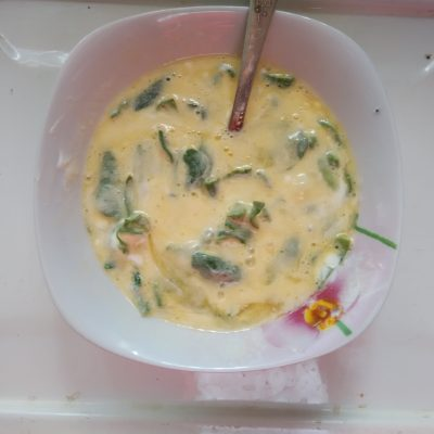 Фото рецепта - Омлет со шпинатом и сыром - шаг 2