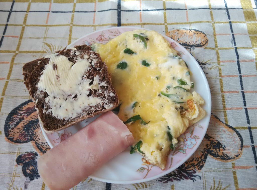 Фото рецепта - Омлет со шпинатом и сыром - шаг 5