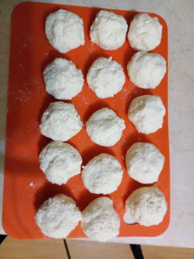 Фото рецепта - Сырники из козьего творога - шаг 6