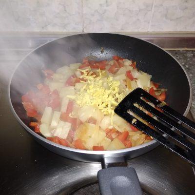 Фото рецепта - Курица в пряном кисло-сладком соусе - шаг 10
