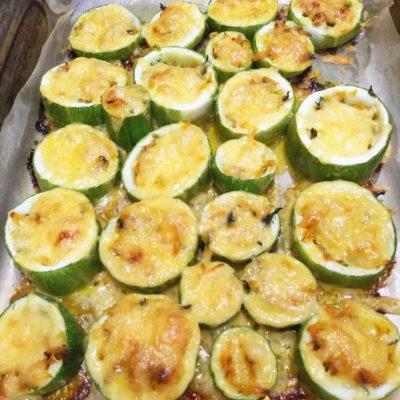 Фаршированные кабачки под сырной корочкой - рецепт с фото