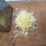 Фото рецепта - Спаржевая фасоль с сыром под сметанно-ореховым соусом - шаг 2
