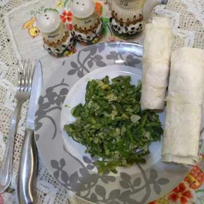 Фото рецепта - Спаржевая фасоль с сыром под сметанно-ореховым соусом - шаг 3
