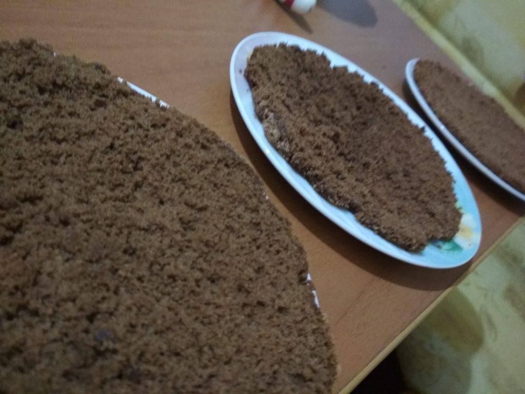 """Фото рецепта - Шоколадный торт """"Малиновое настроение"""" - шаг 17"""