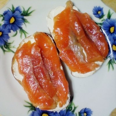 Фото рецепта - Бутерброды на перекус с рыбой - шаг 4